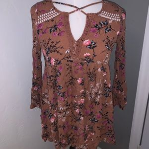 🌻Floral 70's style tunic🌻
